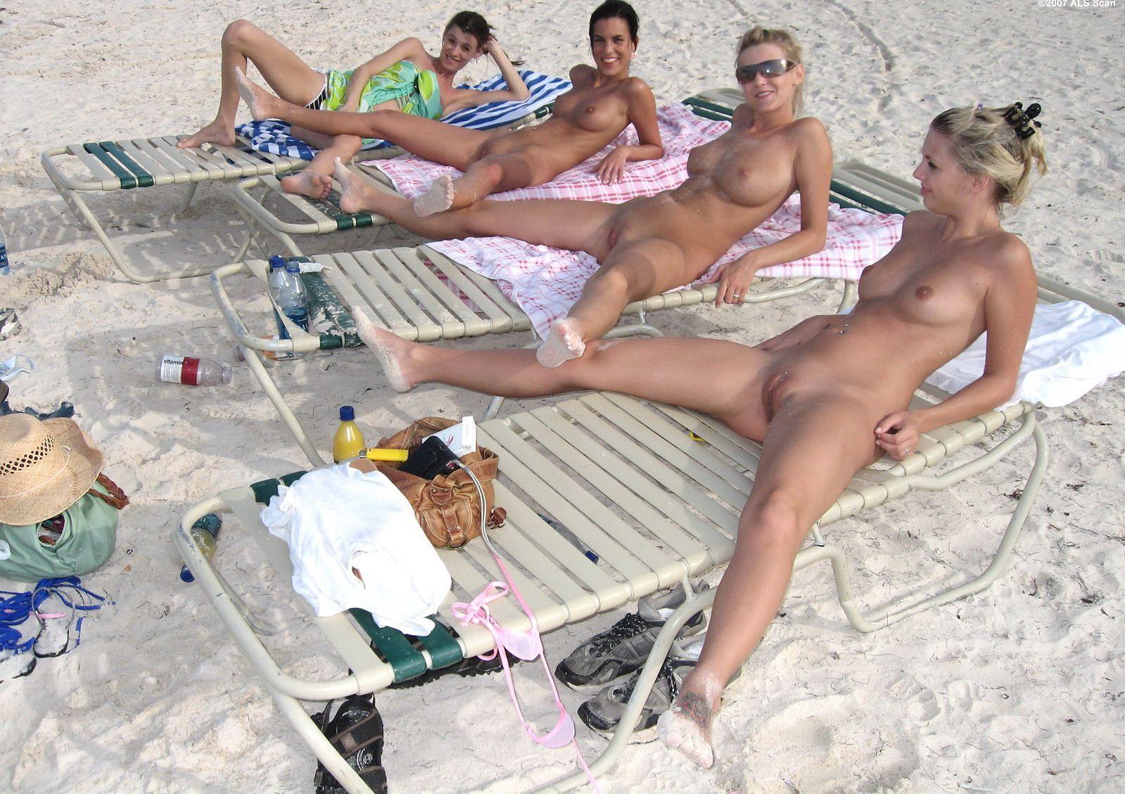 Частные эротические фотографии в пляже 13 фотография